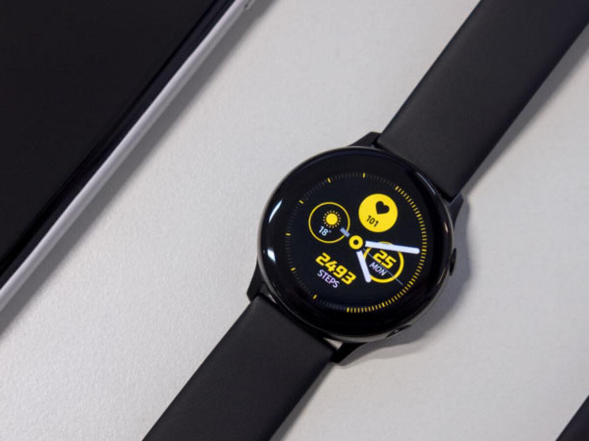 images?q=tbn:ANd9GcQh_l3eQ5xwiPy07kGEXjmjgmBKBRB7H2mRxCGhv1tFWg5c_mWT Smart Watch Above 10000